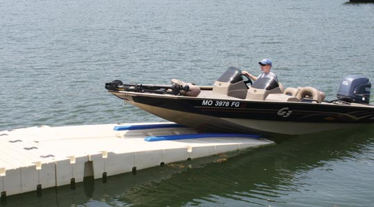BP4001 BoatPort with Float Tank and Air-Assist and Large Platform